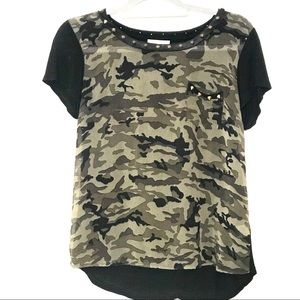 Black & camouflage spiked tee by La Vie size small